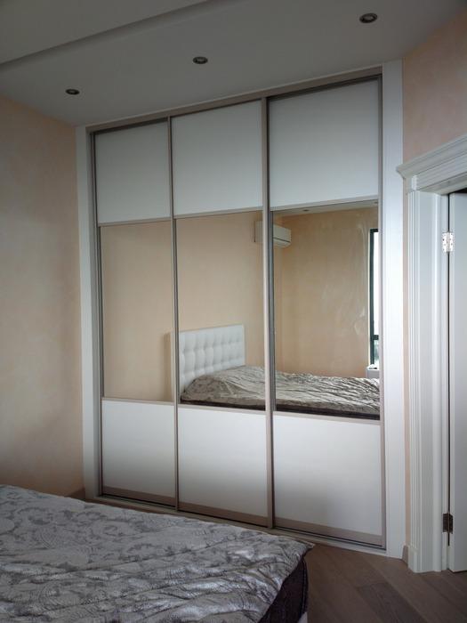 Белые шкафы-купе-Шкаф-купе с зеркалом «Модель 195»-фото1