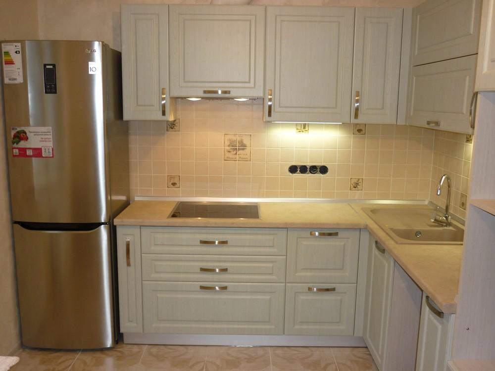 Белый кухонный гарнитур-Кухня МДФ в ПВХ «Модель 290»-фото2