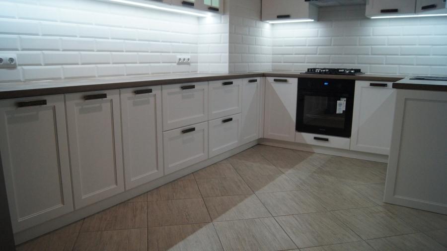 Белый кухонный гарнитур-Кухня МДФ в эмали «Модель 202»-фото3