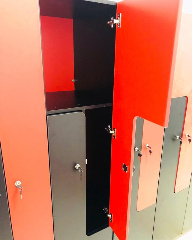 Торговая мебель-Шкафчики для раздевалки «Модель 162»-фото2