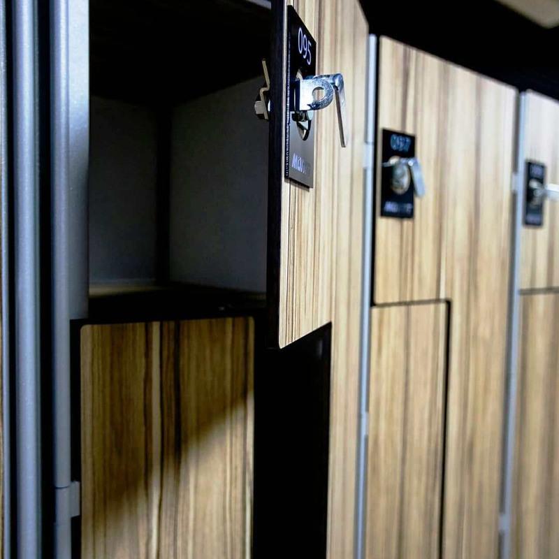 Торговая мебель-Шкафчики для раздевалки «Модель 160»-фото1