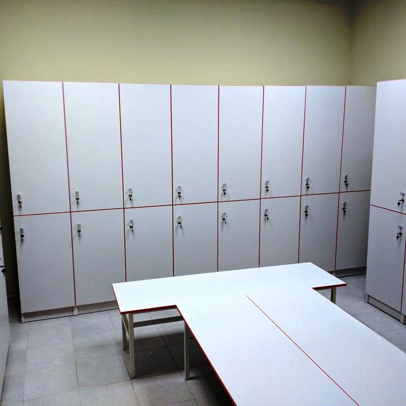 Торговая мебель-Шкафчики для раздевалки «Модель 156»-фото2