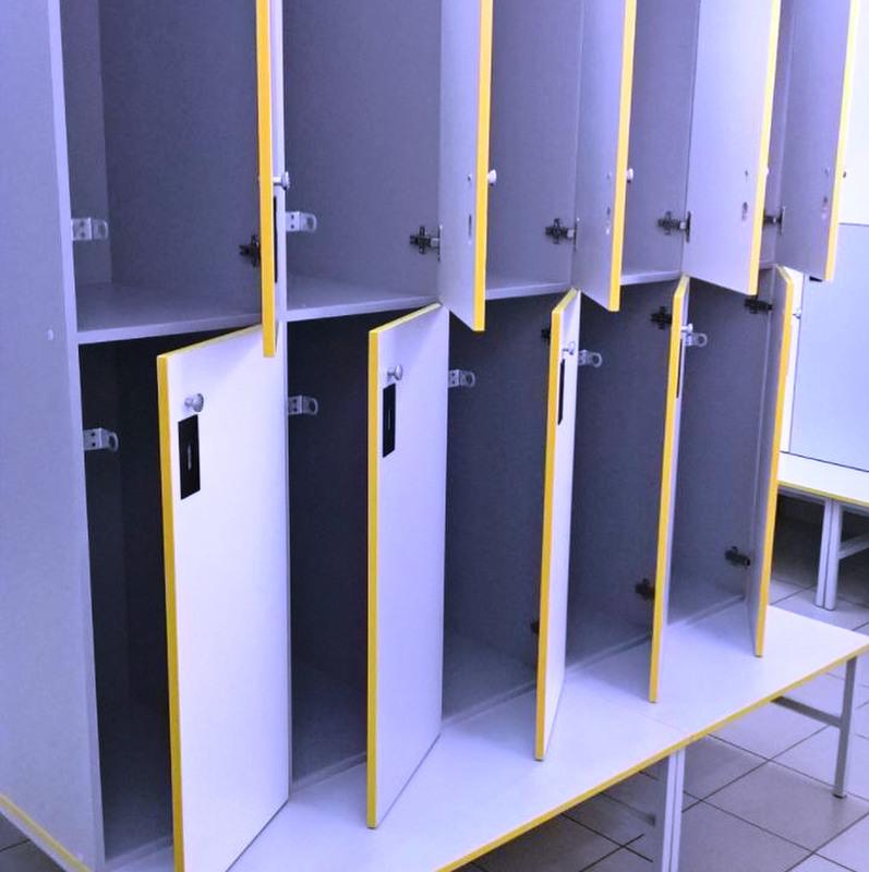 Торговая мебель-Шкафчики для раздевалки «Модель 163»-фото2