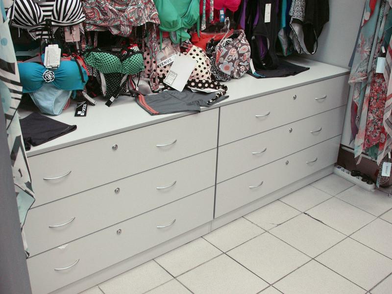 Магазин одежды-Мебель для магазина «Модель 33»-фото5