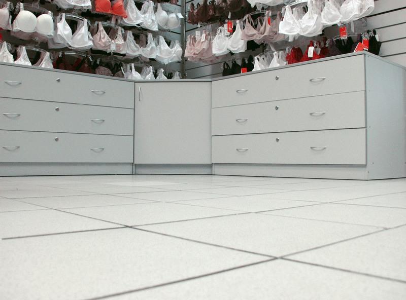 Магазин одежды-Мебель для магазина «Модель 33»-фото1