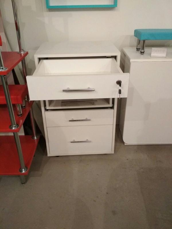 Торговая мебель-Мебель для салона «Модель 85»-фото4