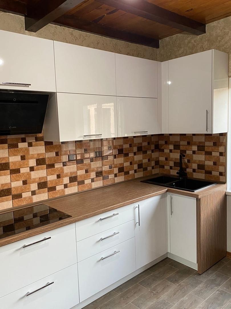 Белый кухонный гарнитур-Кухня МДФ в ПВХ «Модель 568»-фото2