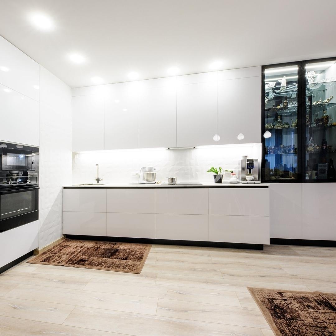 Белый кухонный гарнитур-Кухня МДФ в эмали «Модель 606»-фото1