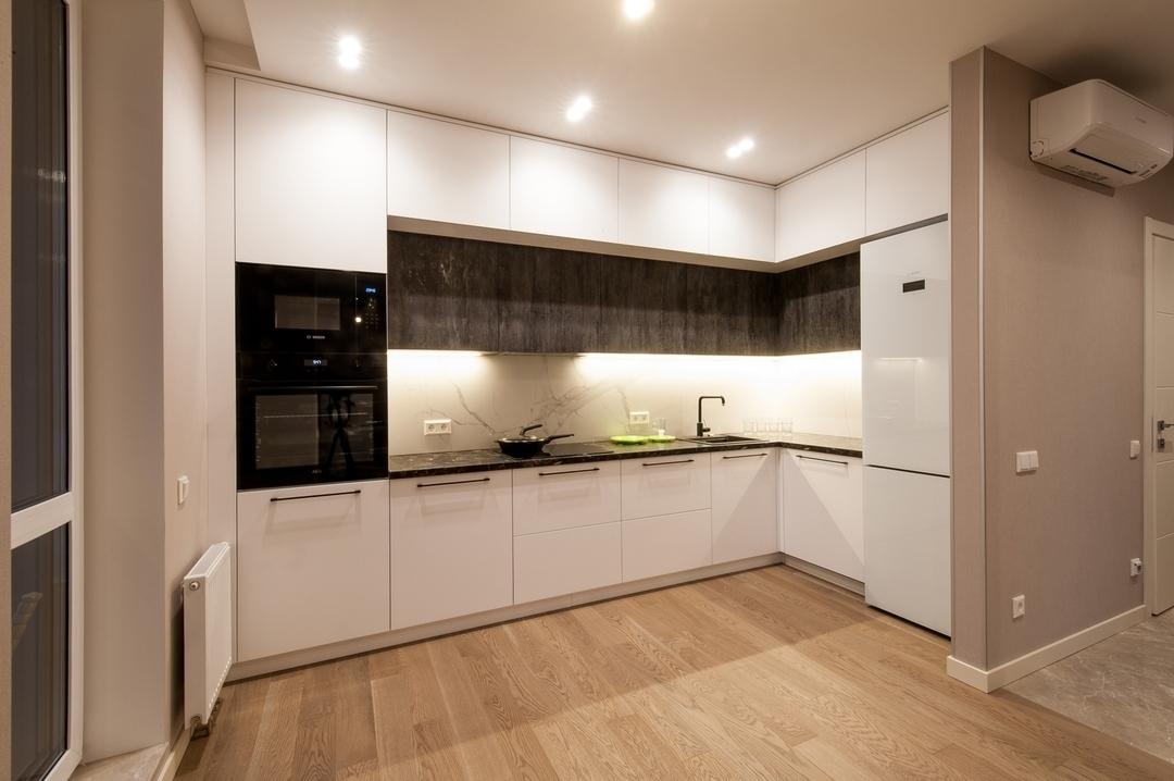 Белый кухонный гарнитур-Кухня из пластика «Модель 611»-фото1