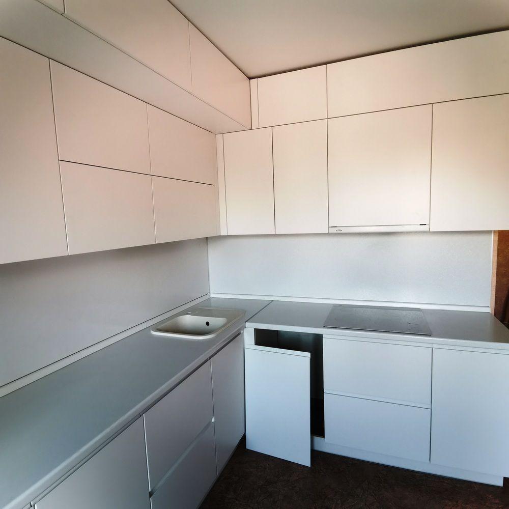 Белый кухонный гарнитур-Кухня МДФ в эмали «Модель 561»-фото2
