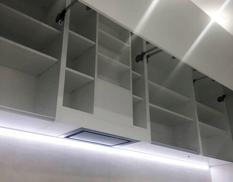 Белый кухонный гарнитур-Кухня МДФ в ПВХ «Модель 648»-фото3