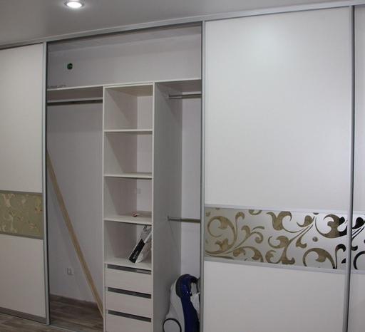 Белые шкафы-купе-Шкаф-купе с пескоструем «Модель 18»-фото5